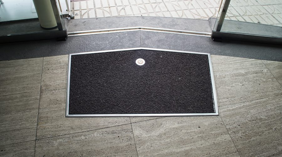 5 reasons your business should be using floor mats this winter